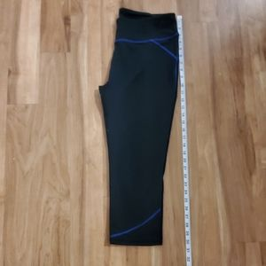 Fabletics Black and Blue Capris (Large)